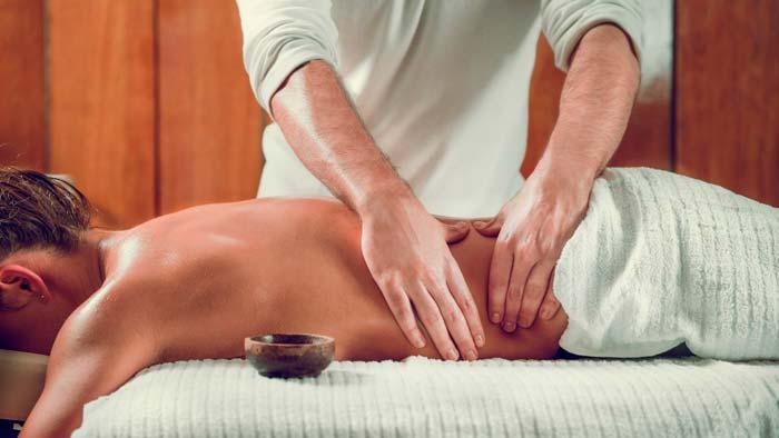 Польза от медицинского массажа спины