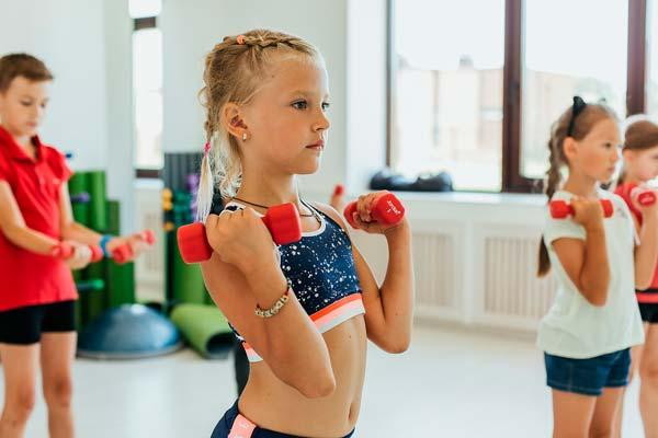 Зачем необходимо заниматься спортивными занятиями детям